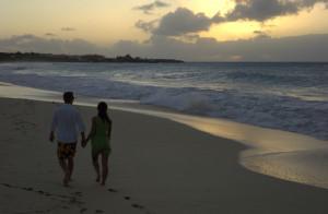 couple_on_beach-2